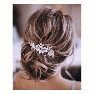 Tocado de boda para el cabello de la novia